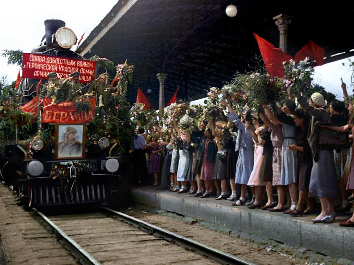 Поздравление ветеранов от коммунистов САО