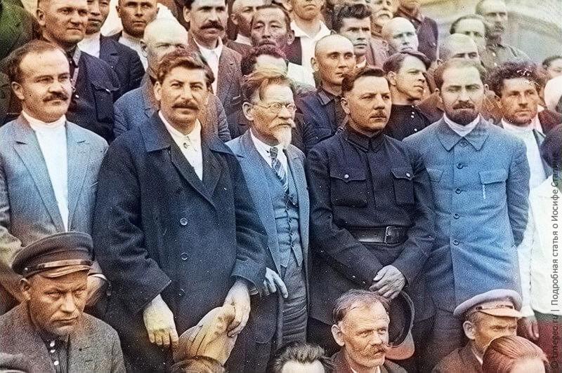 Никакого мещанства и никчемных трат. Как одевался Сталин