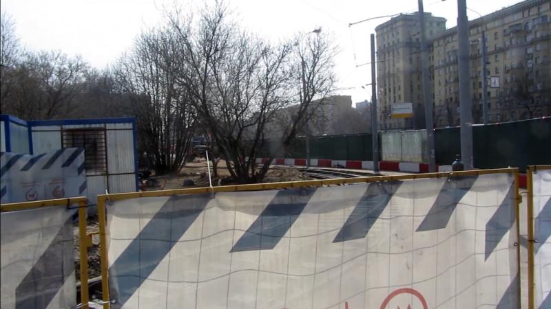 Многолетний («двухвековой») строительный забор возле метро «Войковская»