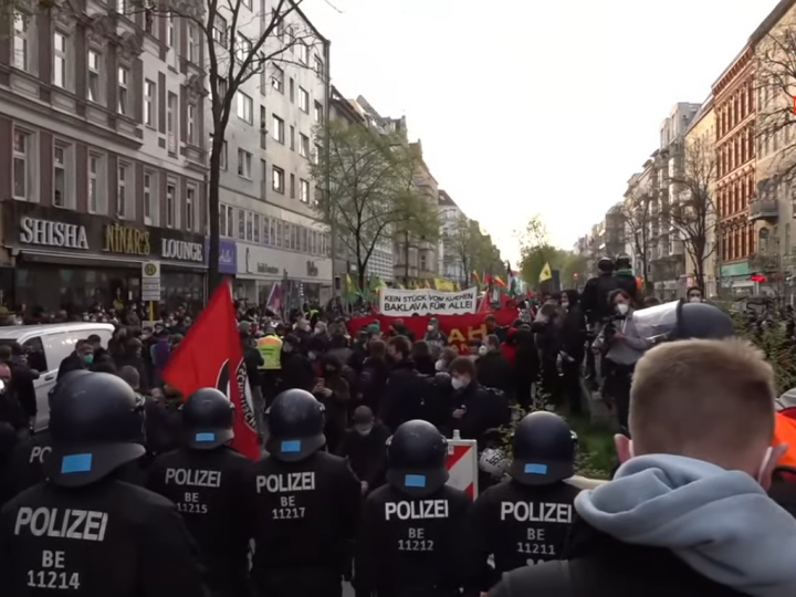 1 Мая в Германии и Франции… Кто там думает, что мигранты будут терпеливей?